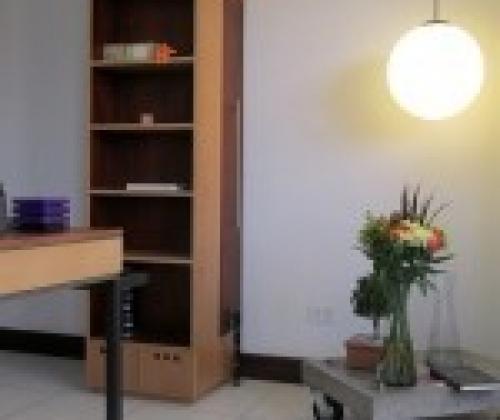 Repisero doggo 1, diseño de muebles, ecuador, muebles bajo pedido, libreras, muebles de oficina, muebles de diseño