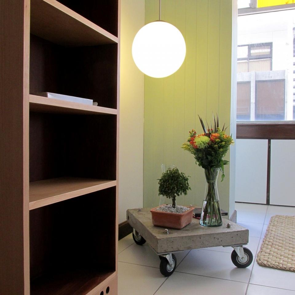 Detalles oficina 2. Libreros diseño de muebles quito ecuador