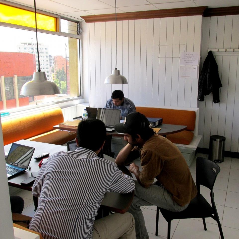 Oficina Producción 2. Diseño y venta de muebles quito ecuador