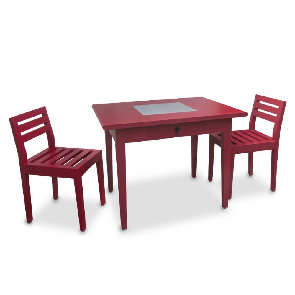 mesa y dos sillas 600,00
